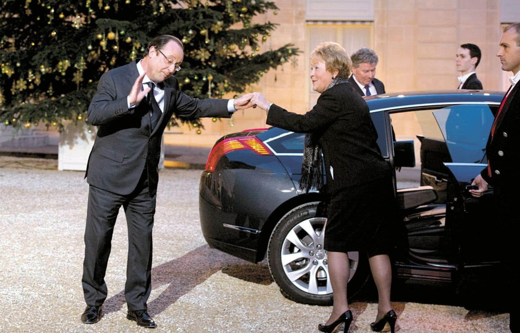 Le président francais, François Hollande, accueillait mardi à l'Élysée la première ministre Pauline Marois.