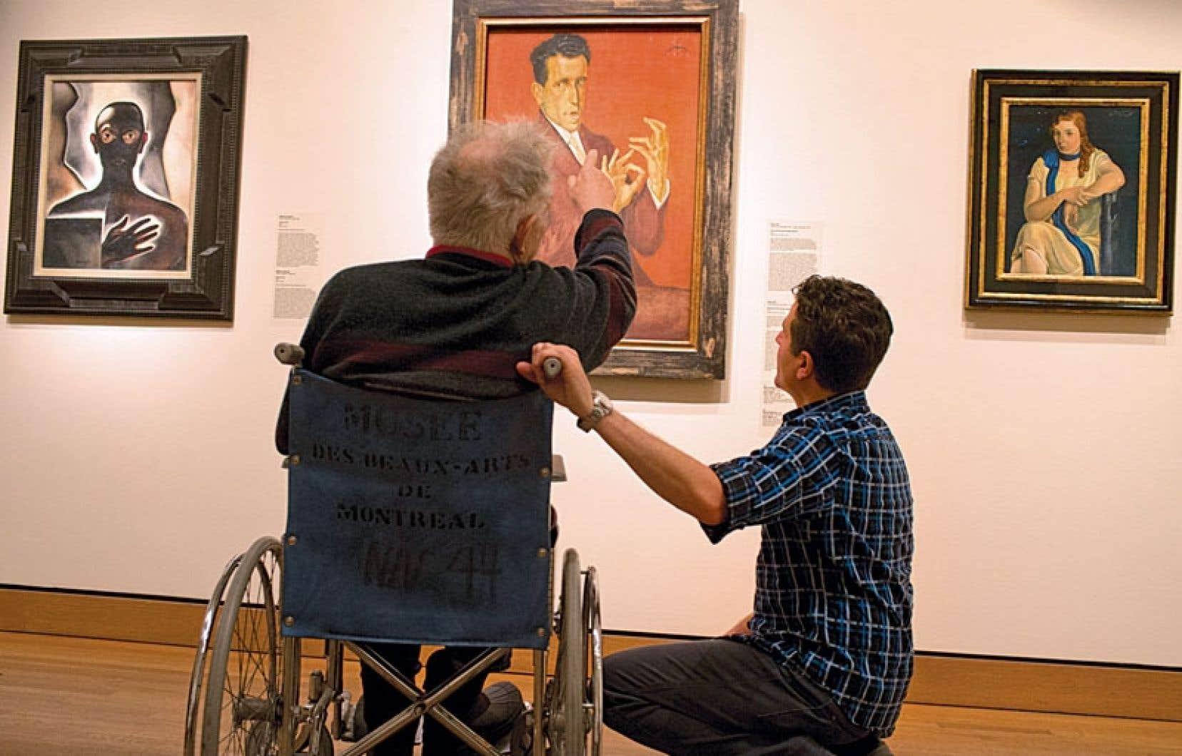 Un homme atteint d'alzheimer discute d'une œuvre d'Otto Dix, au MBAM.