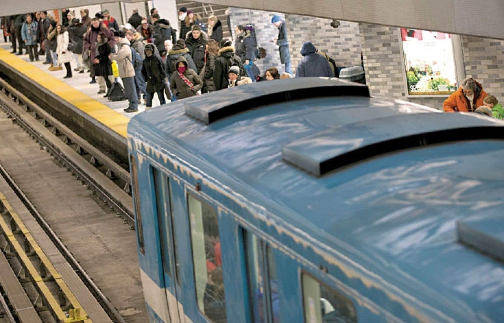 Même s'ils sont attachés à leur métro, les usagers montréalais sont rebutés par les conflits de travail, les interruptions de service provoquées par les pannes à répétition et les retards dans l'entretien du réseau.