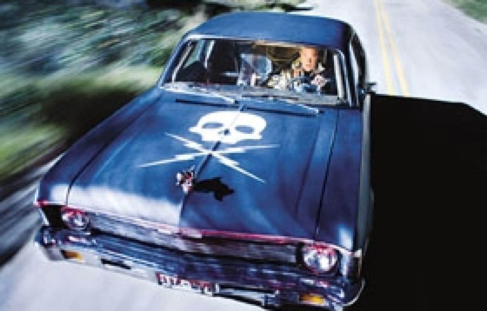 Dans Grindhouse, Stuntman Mike (Kurt Russell) décide de faire la peau, au volant de sa bagnole, à quelques filles délurées.