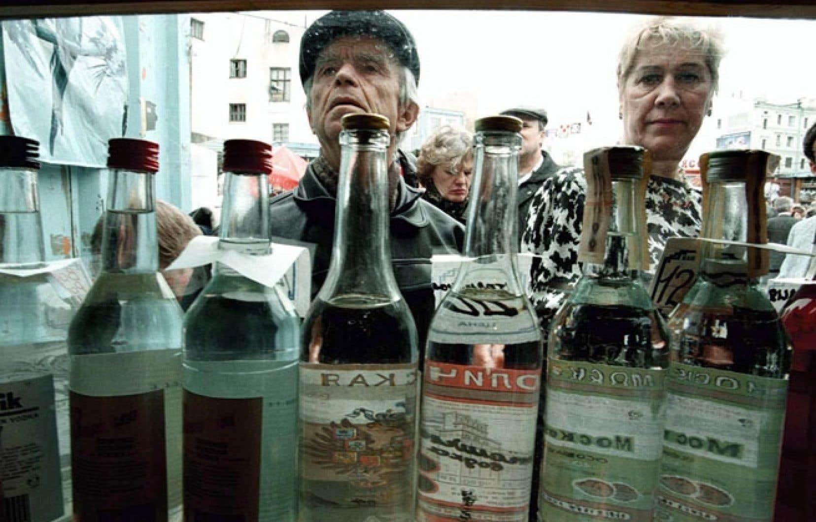 L'espérance de vie des hommes russes ne dépassse pas 63 ans en raison de l'alcoolisme.