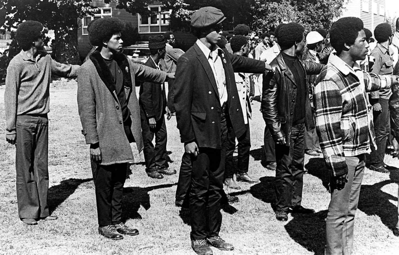 Dans les années 1960, le mouvement révolutionnaire afro-américain des Black Panthers était considéré comme «la menace interne numéro un», rappelle le réalisateur Ron Harpelle.