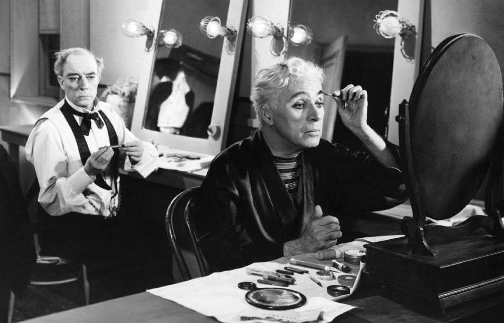 Un roman de Charlie Chaplin, le seul qu'il ait écrit dans toute sa carrière, a été édité par la Cinémathèque de Bologne à l'occasion des 100 ans de la naissance du personnage de Charlot. Footlights a été écrit par le réalisateur et acteur britannique en 1948, quatre ans avant le grand succès des Feux de la rampe, avec le légendaire Buster Keaton et Chaplin lui-même (notre photo), dont le scénario s'inspire du livre.