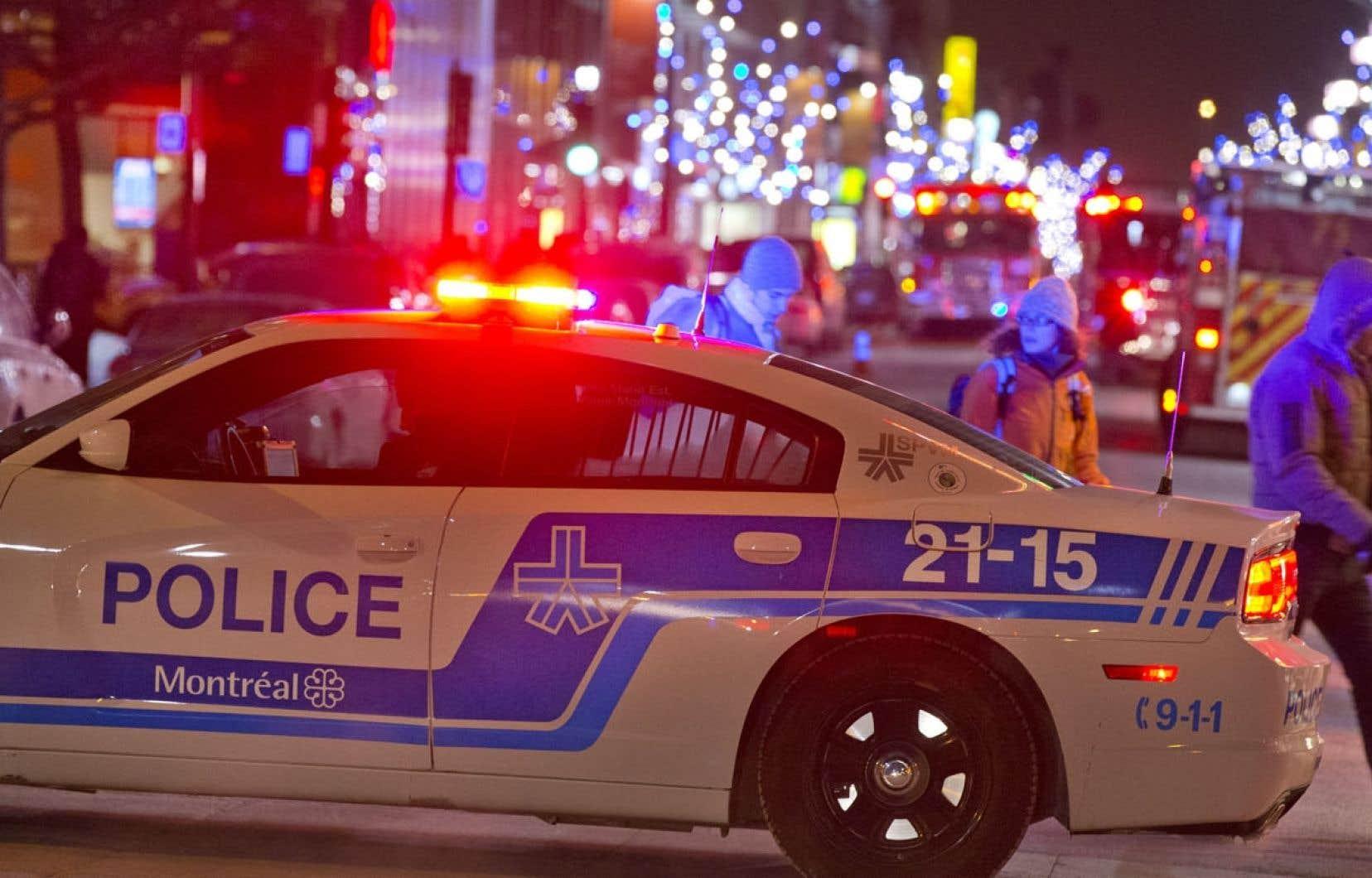 Les patrouilles policières ont concentré leur présence dans les zones jugées plus problématiques.