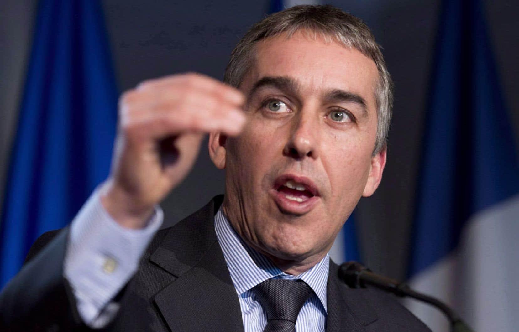 Le ministre québécois des Finances, Nicolas Marceau, voit dans le budget Flaherty une illustration du « fédéralisme prédateur ».