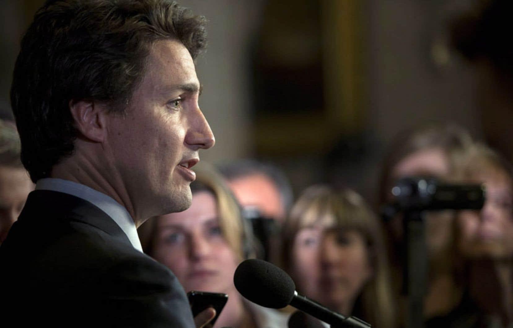 Selon le chef libéral fédéral, Justin Trudeau, le gouvernement Harper manque de respect envers les provinces dans le dossier de la formation de la main-d'œuvre.