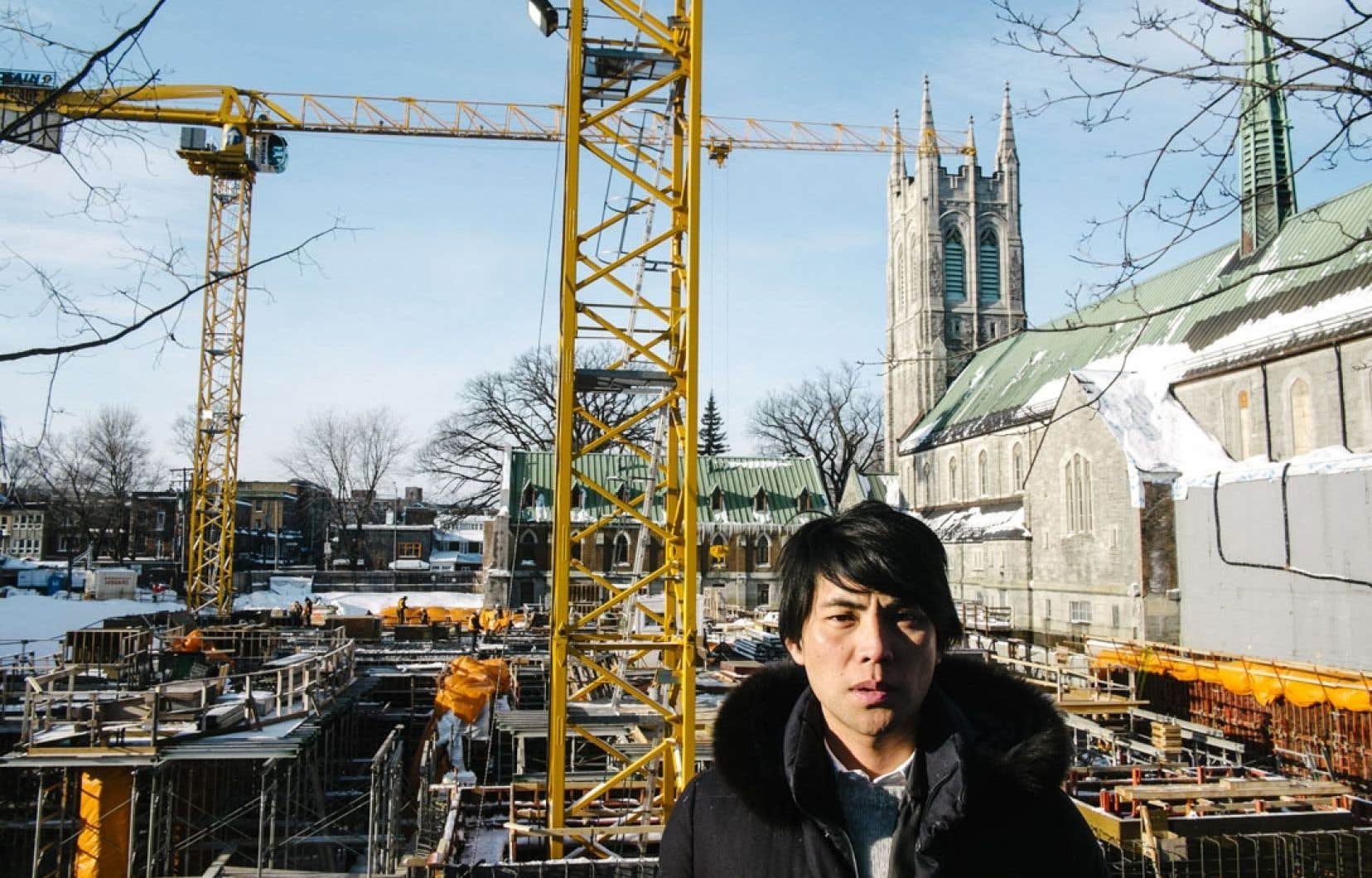 L'architecte Shohei Shigematsu photographié sur le chantier du nouveau pavillon du Musée national des beaux-arts du Québec, le plus important projet culturel de l'heure au Québec.