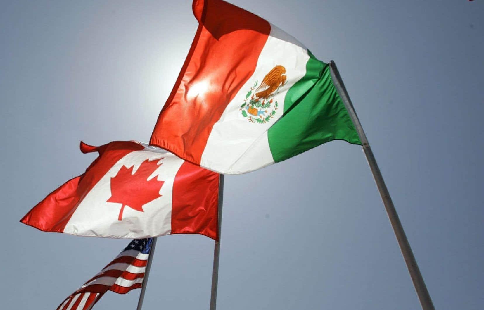 Entré en vigueur en 1994, cinq ans après l'accord de libre-échange qu'avaient, dans un premier temps, conclu entre eux le Canada et les États-Unis, l'ALENA était présenté, alors, à plus d'un chapitre comme un modèle.
