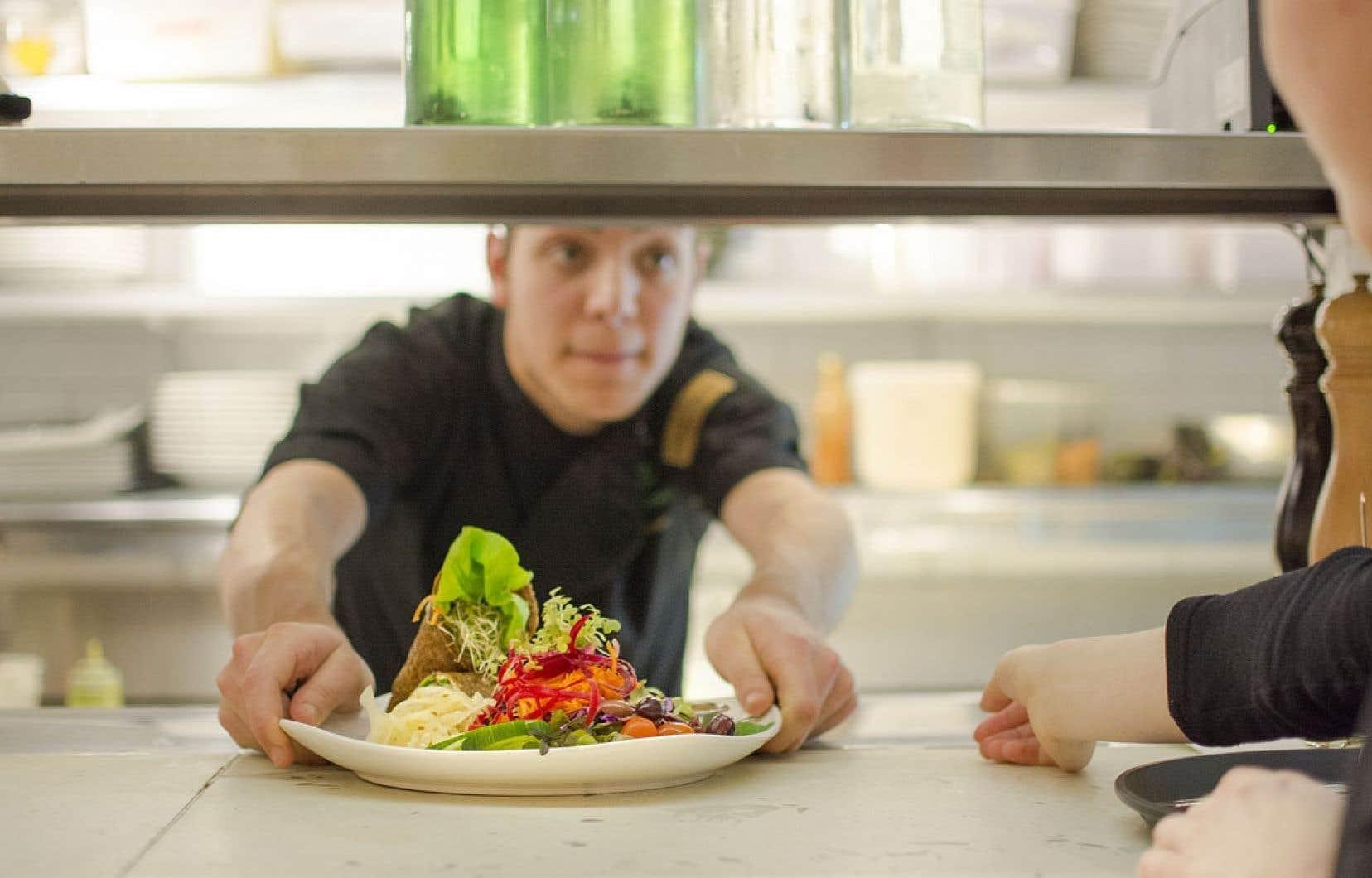 Antoine Healy-Pelletier, chef du restaurant Crudessence à Montréal.