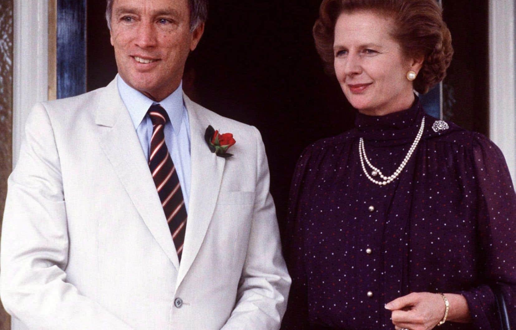 Pierre Elliott Trudeau a rencontré l'ex-première ministre britannique Margaret Thatcher à un moment crucial des tractations pour le rapatriement de la Constitution. Or, le gouvernement refuse de dévoiler l'information sur cette rencontre. Ci-dessus, les deux dirigeants en Australie, en octobre 1981.