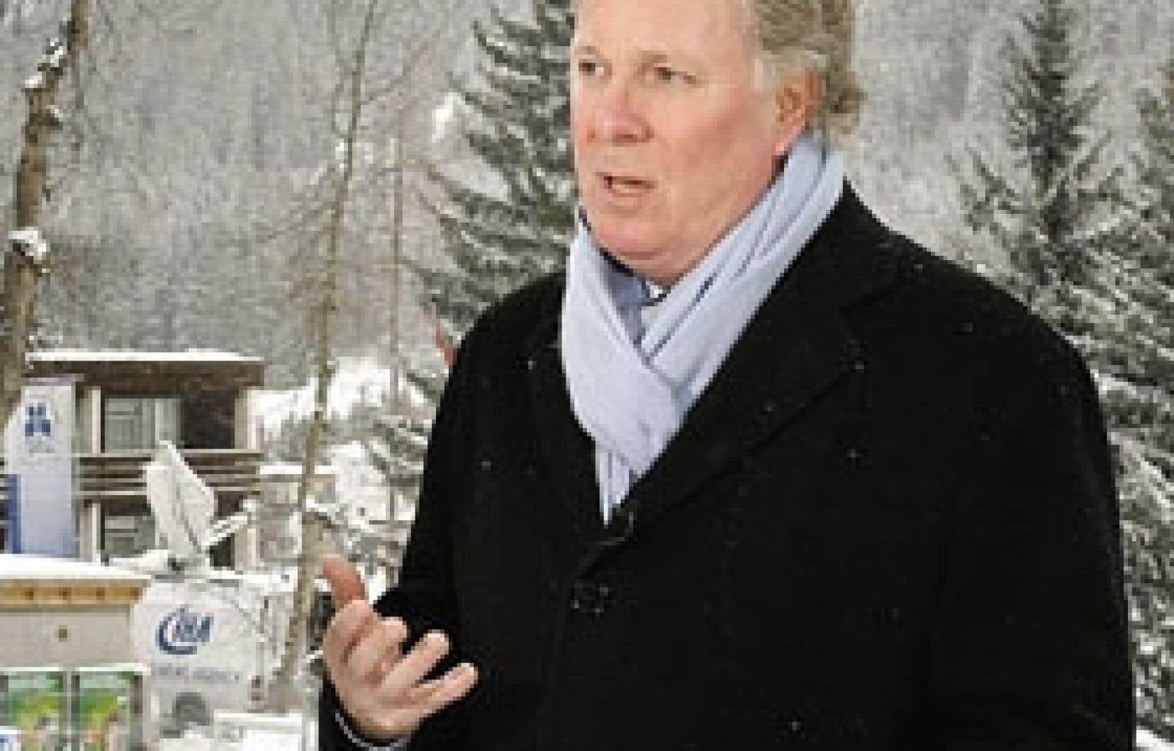 Selon l'économiste Christian Deblock, l'appel lancé la semaine dernière par le premier ministre Jean Charest montre bien, comment «le Québec commence à être sérieusement à l'étroit» lorsqu'il cherche un autre partenaire commercial que