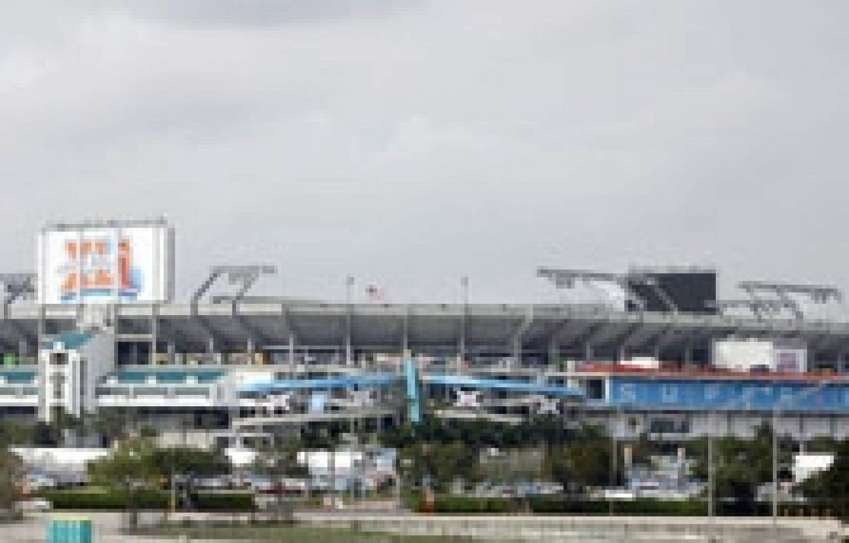 Le stade Dolphin à Miami, où se tient le Super Bowl XLI.