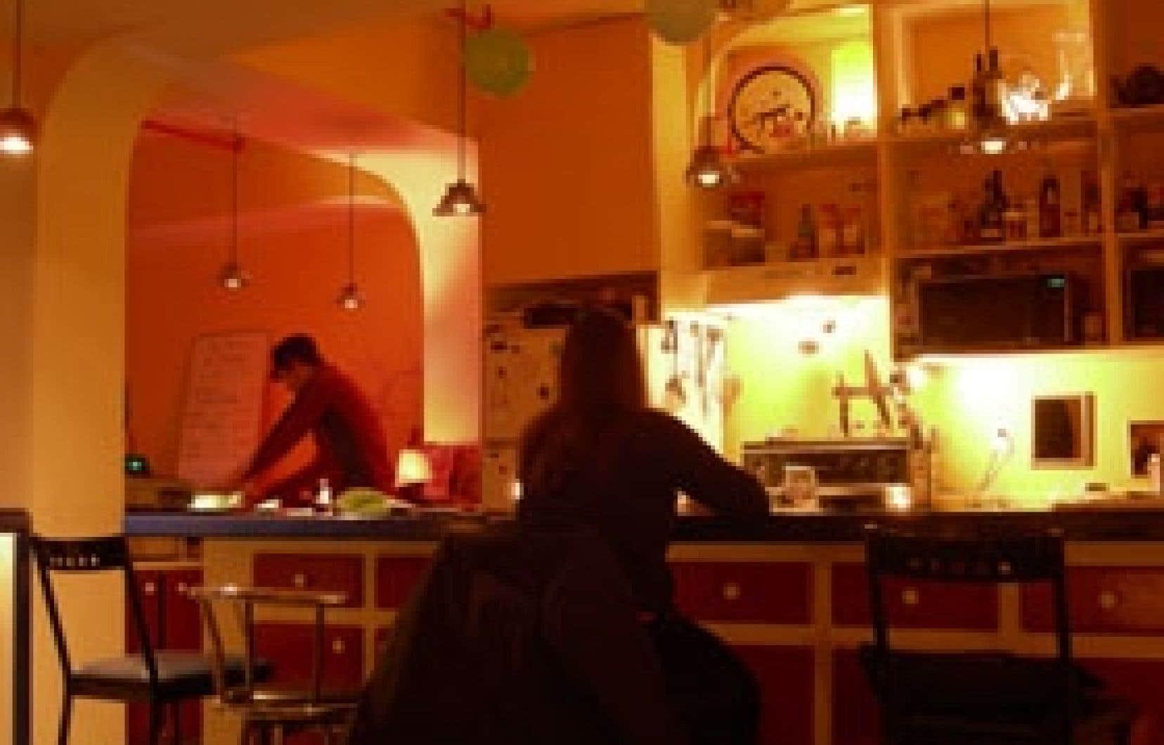 L'intérieur de La Cuisine bistro bar dénote un désordre bien calculé.