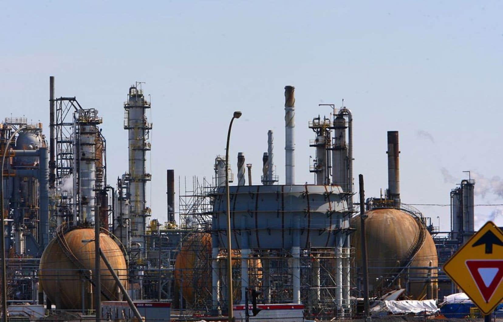 L'OPEP estime que la demande mondiale de brut s'élèvera à 91,14millions de barils par jour (mbj) cette année, soit 160000 barils de plus sur une base quotidienne,