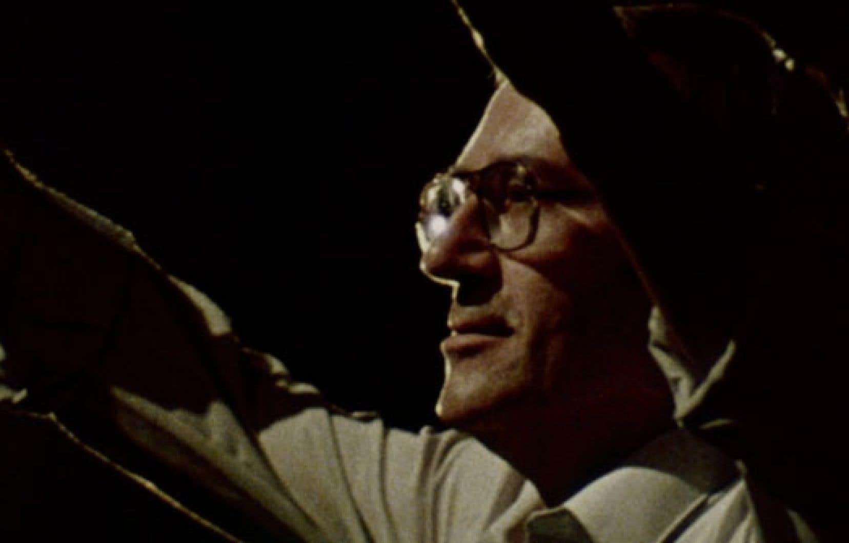 Le film, jeux musicaux compris, n'est constitué que de documents d'archives, certains inédits, de l'Office national du film ou d'ailleurs.