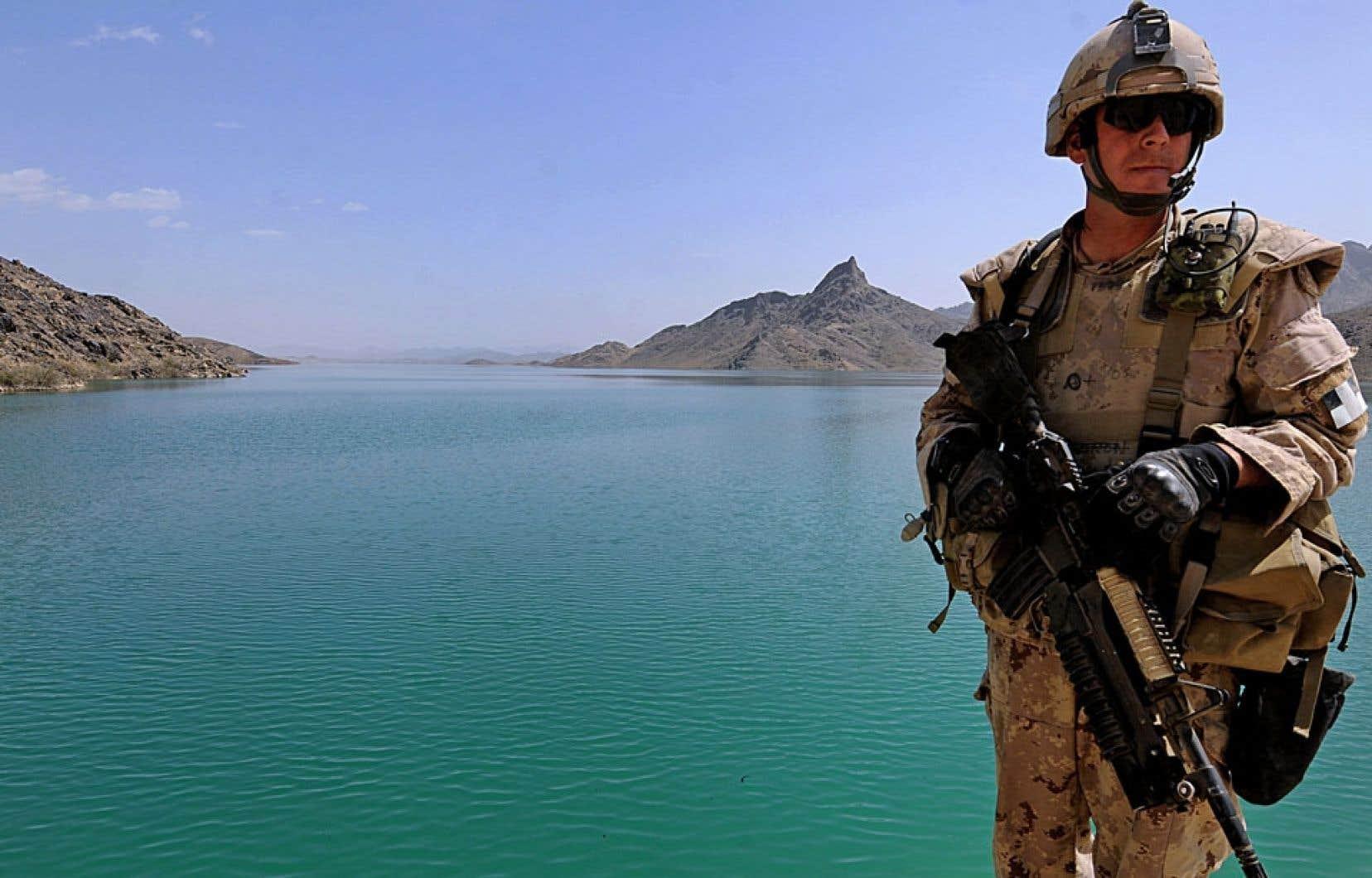 Après douze ans de présence, l'armée canadienne quitte définitivement l'Afghanistan cette semaine. Un peu plus de 40 000 soldats canadiens y ont servi, 158 d'entre eux n'en sont jamais revenus.