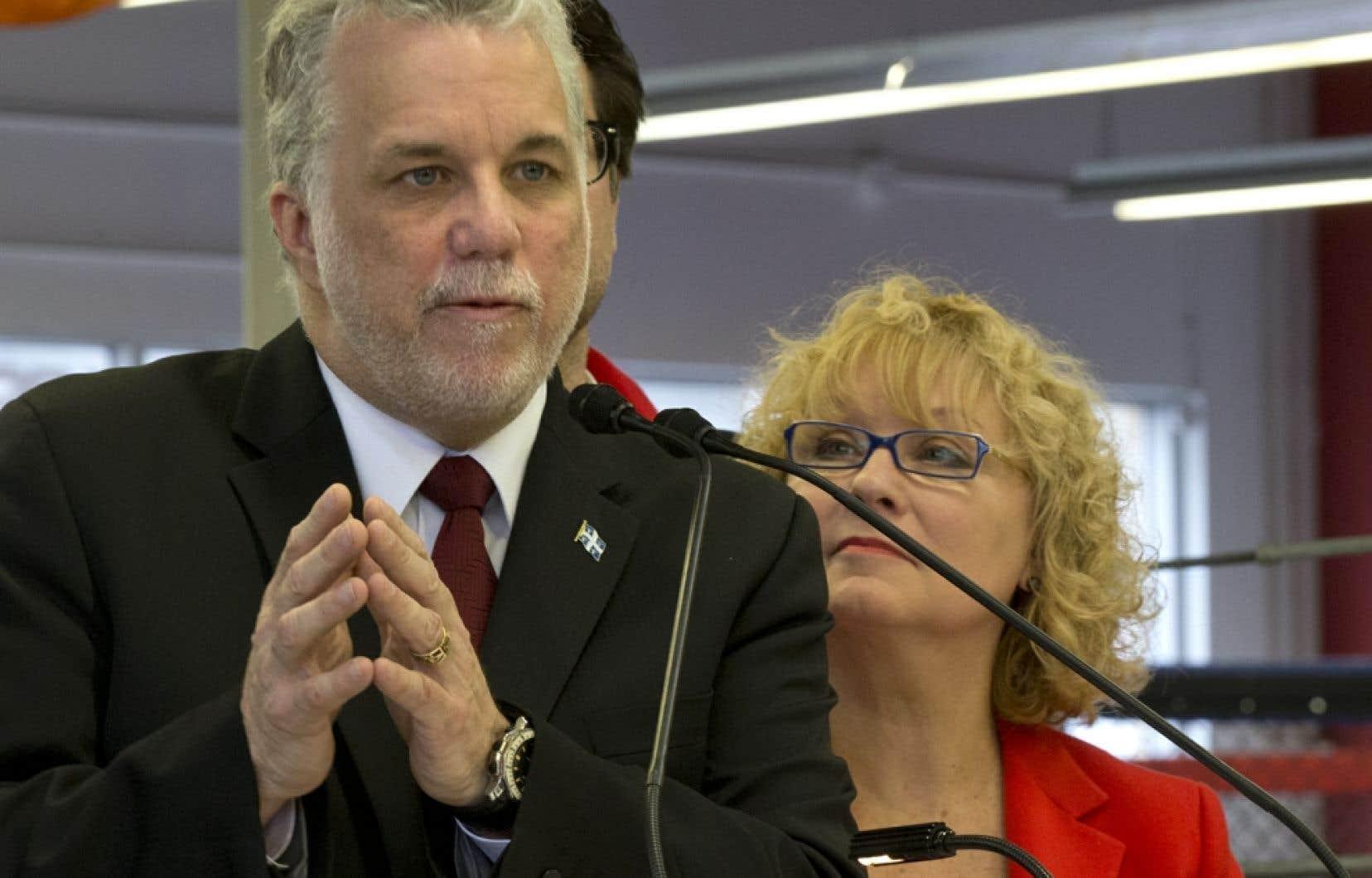 À Laval, Philippe Couillard a expliqué que cette somme, répartie sur cinq ans, sera dénichée grâce à une révision du mode de financement au sein du ministère de la Santé et des Services sociaux.