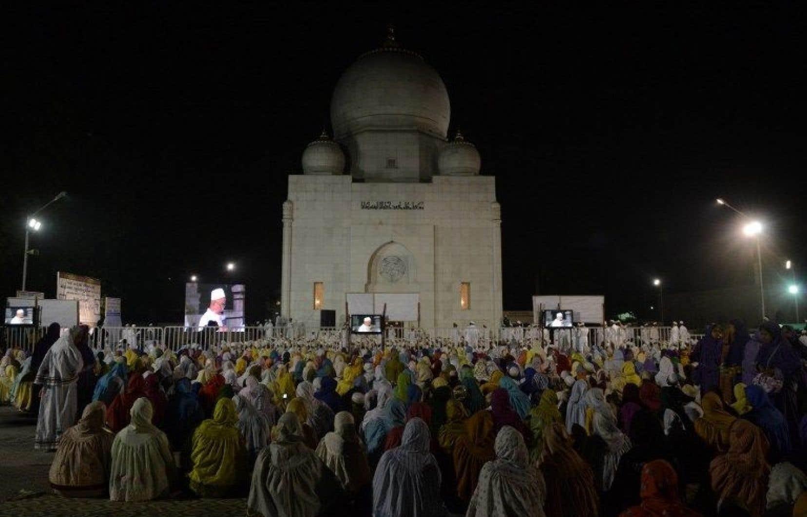 Les indo-musulmans sont une «minorité» de 170 millions de personnes, ce qui en fait la troisième communauté musulmane la plus nombreuse au monde, après l'Indonésie et le Pakistan.