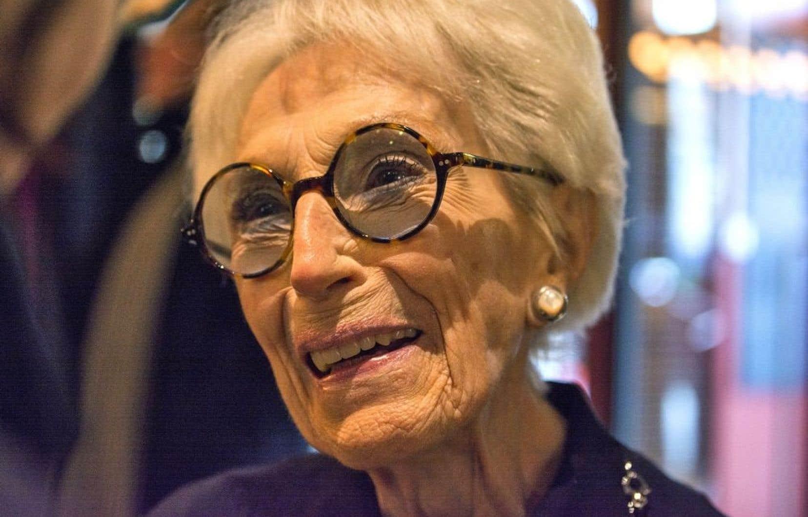 <em>&laquo;Je suis contente que &ccedil;a arrive &agrave; la fin d&rsquo;une vie, d&rsquo;un m&eacute;tier, parce que c&rsquo;est quand m&ecirc;me reconna&icirc;tre que j&rsquo;ai eu une vie remplie de travail et de passion, donc &ccedil;a me fait plaisir&raquo;</em>, a confi&eacute; Janine Sutto, qui aura 93 ans en avril.