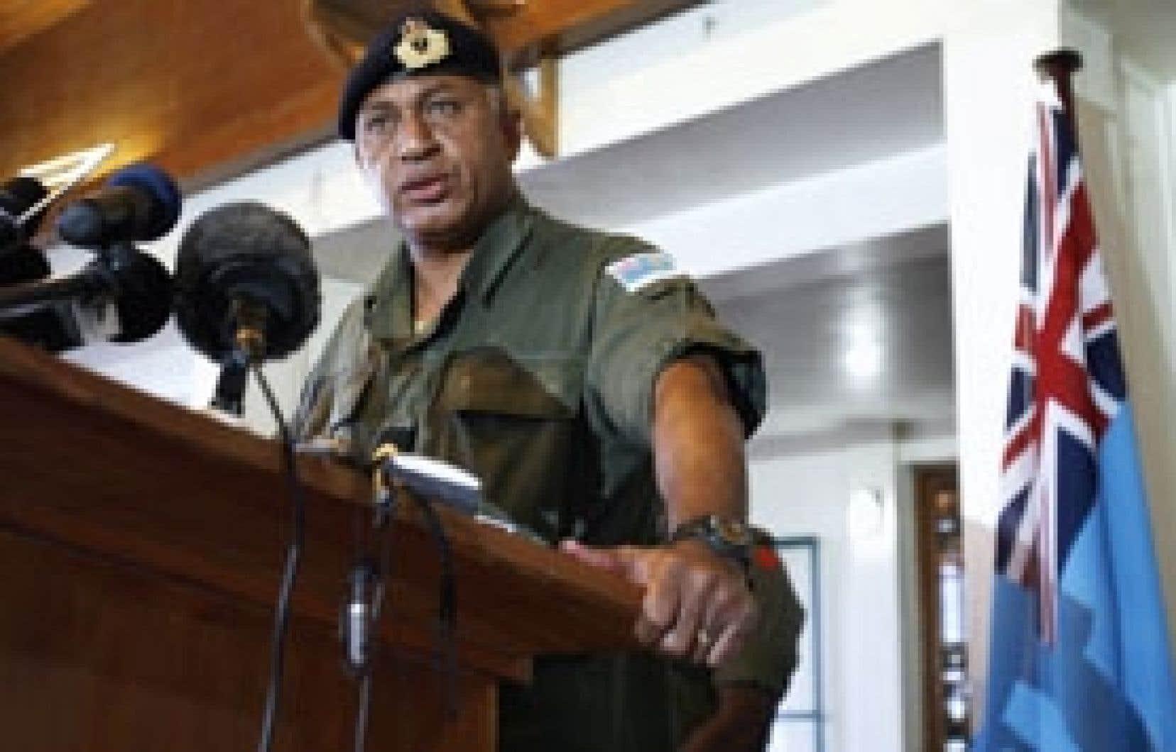 Le chef de l'armée, Voreqe Bainimarama, a «temporairement» pris le pouvoir.