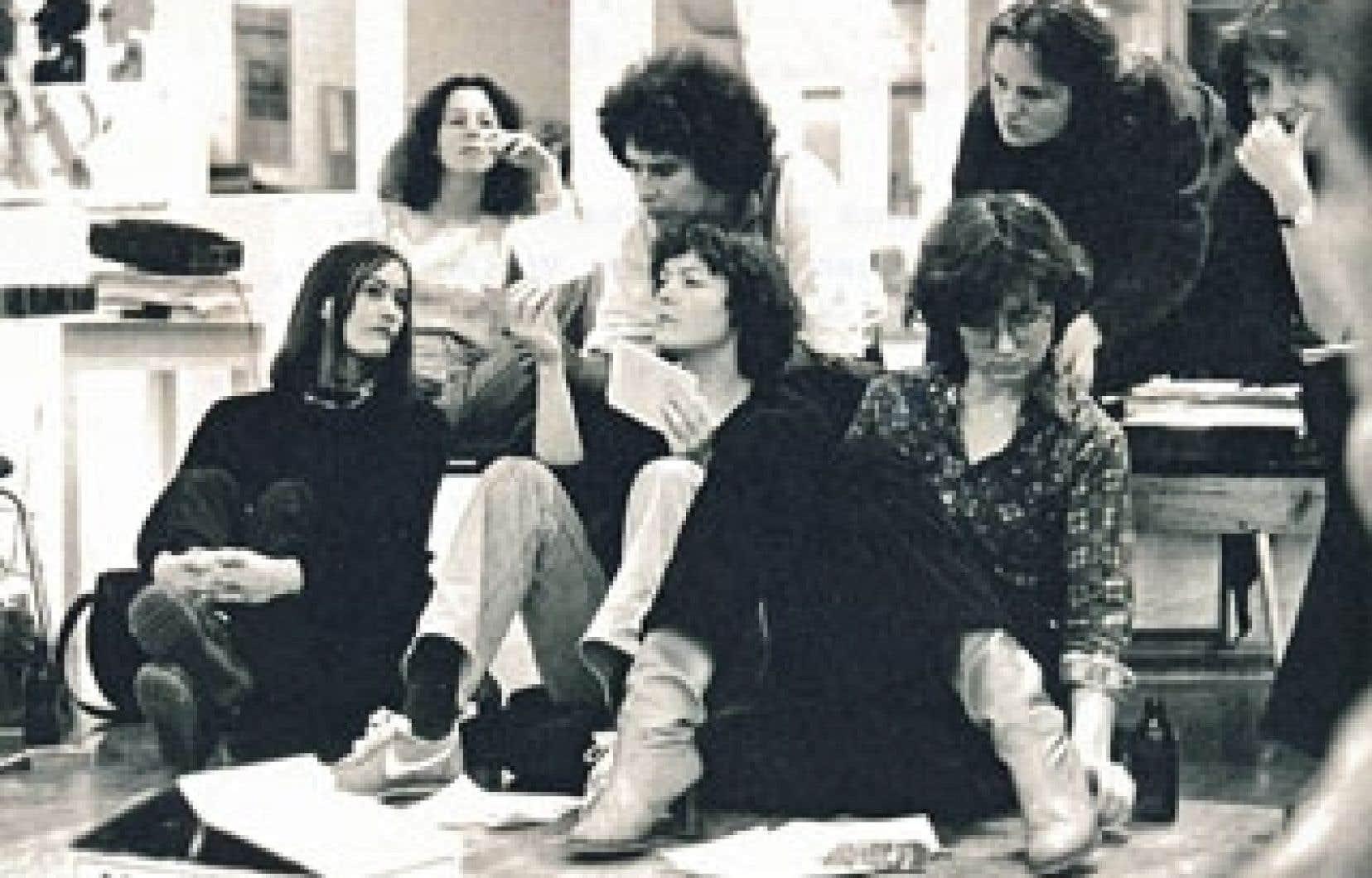 Deux photos tirées des archives de La Centrale: Hannelore Storm, 1974, et réunion informelle, dans les années 1978-1979.