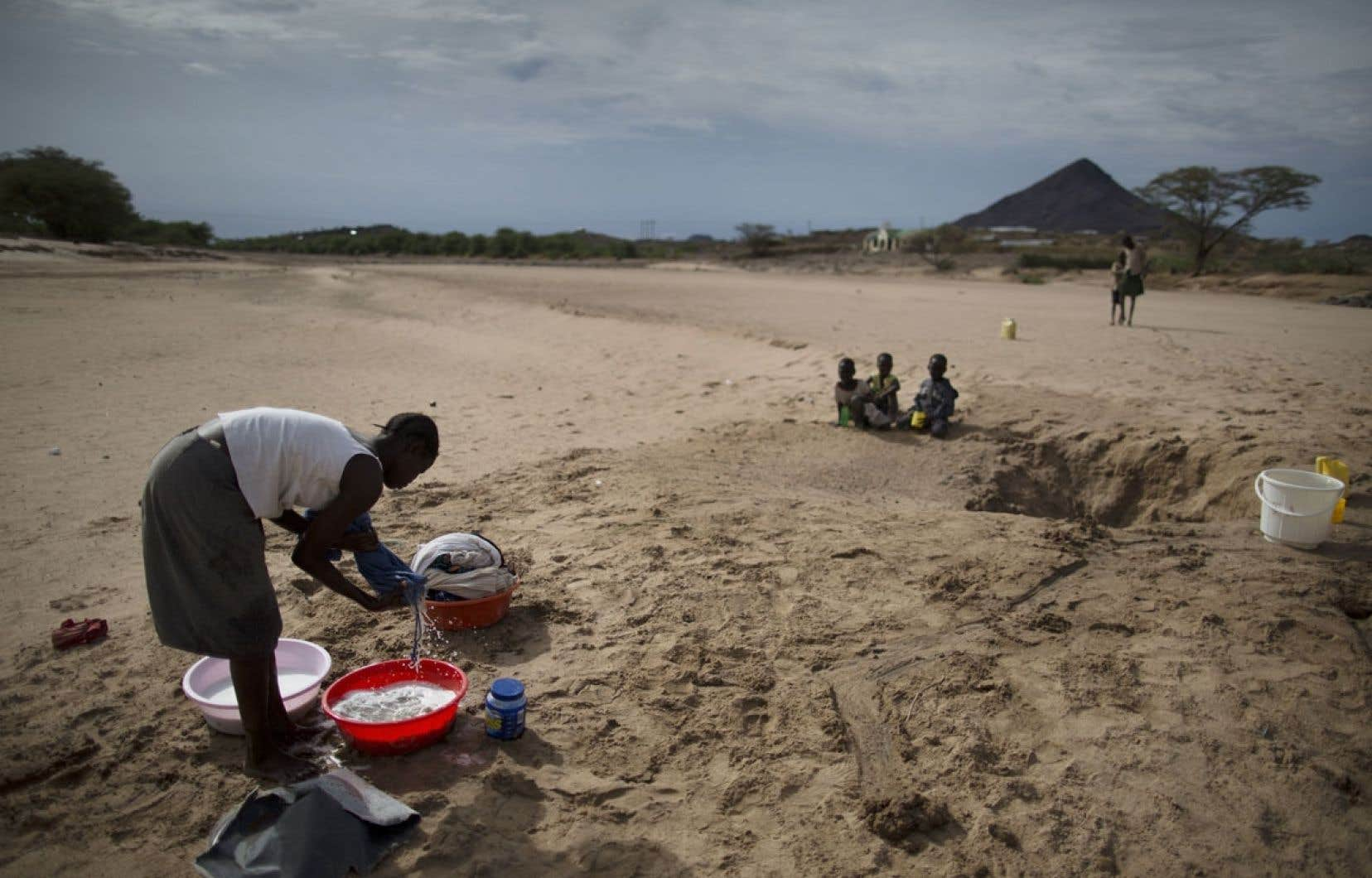Le GIEC craint en outre une réduction significative des eaux de surface et souterraines dans plusieurs régions du monde.