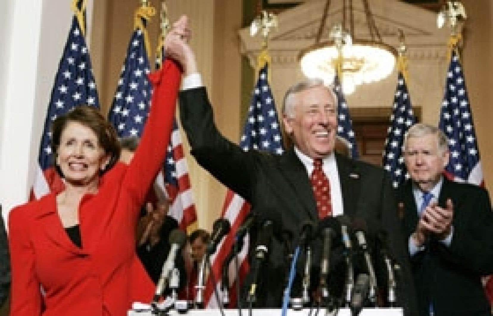 Nancy Pelosi (à gauche) en compagnie de Steny Hoyer.