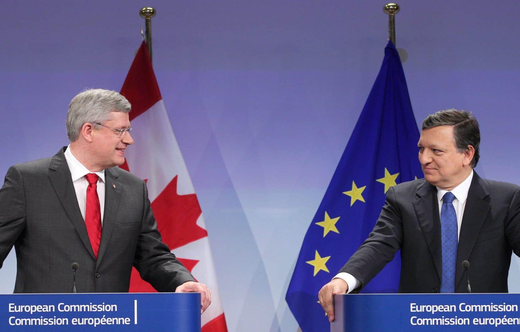 Le 18 octobre 2013, le premier ministre du Canada, Stephen Harper, et le président de la Commission européenne, Jose Manuel Barroso, signaient l'entente de principe portant sur le libre-échange entre le Canada et l'Union européenne.