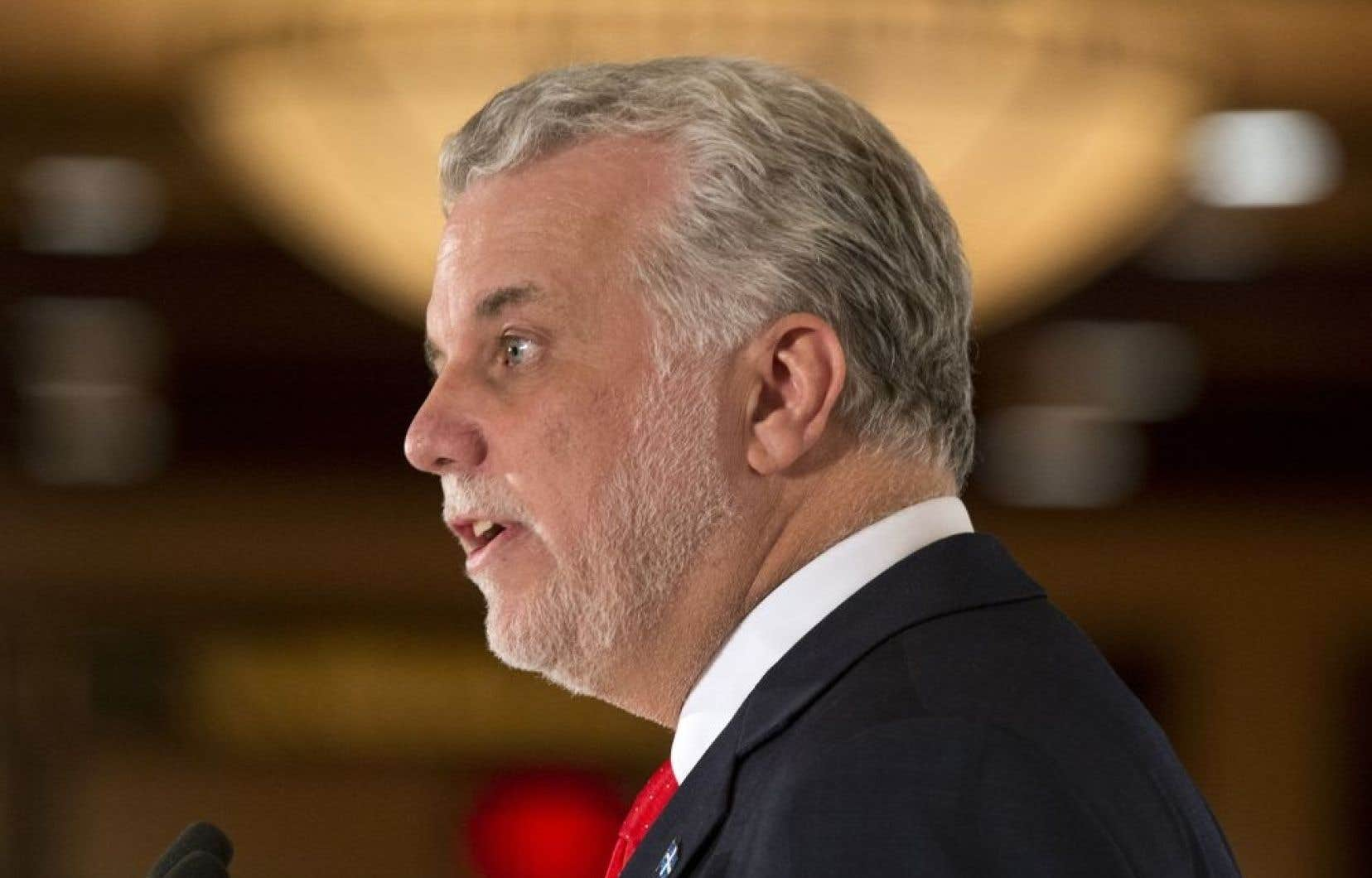 Le chef libéral Philippe Couillard a affirmé en campagne qu'il fallait hausser les droits de l'ensemble des étudiants des pays francophones au niveau de ceux déjà payés par les étudiants des autres provinces canadiennes.