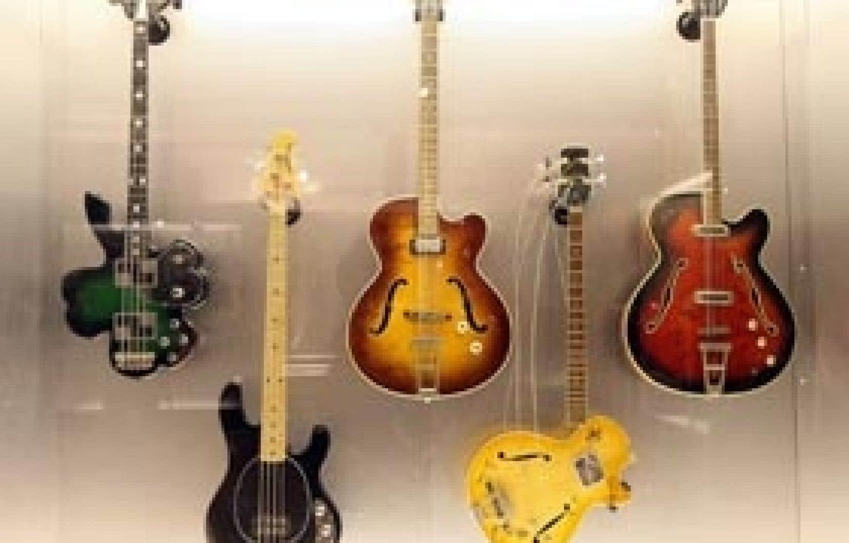 Le Salon de guitare est l'endroit tout indiqué pour toucher, essayer ou encore acheter des instruments fabriqués à la main.