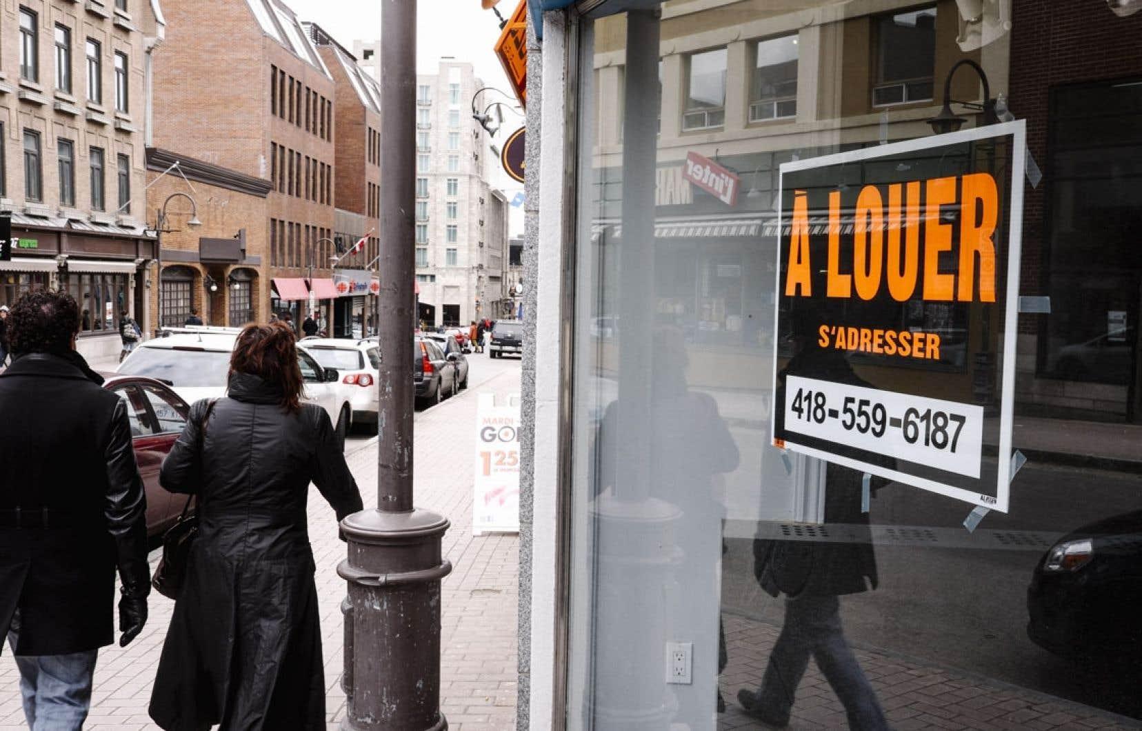 La rue Saint-Jean multiplie les locaux vides. Et elle n'est pas la seule artère commerciale du Québec à souffrir d'un ralentissement inquiétant. «On le voit dans toutes les régions… Il y a un ralentissement partout», confirme Catherine Raymond, conseillère pour les SDC.