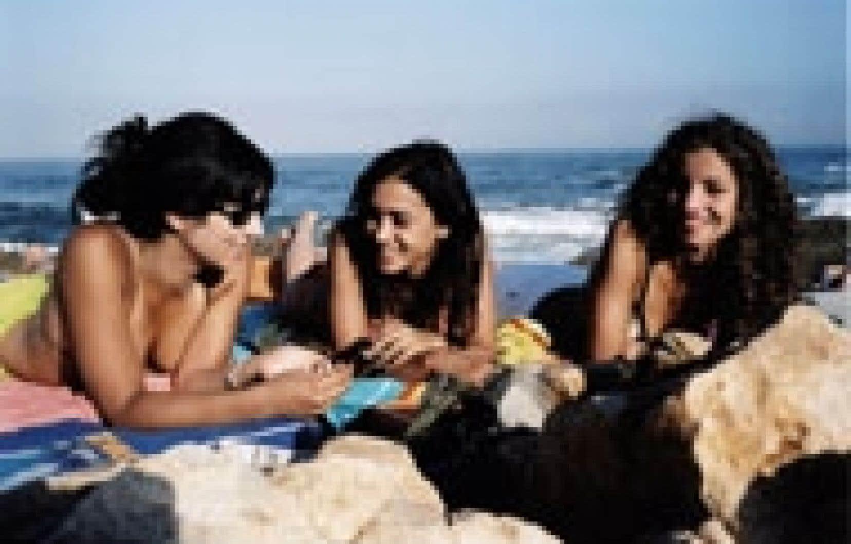 Le film Marock (2005) de la réalisatrice Leila Marrakchi est un témoignage récent du féminisme arabo-musulman qui prend de plus en plus de vigueur dans certains pays. Source: Christal Films