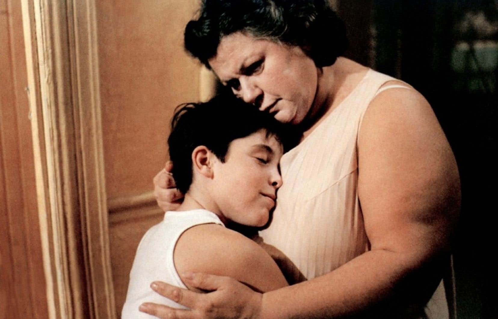 Inclassable, beau, profondément personnel, <em>Léolo</em> a été désigné l'un des 100 meilleurs films du monde par le magazine Time. Le défunt critique Roger Ebert comptait aussi parmi ses plus ardents admirateurs.