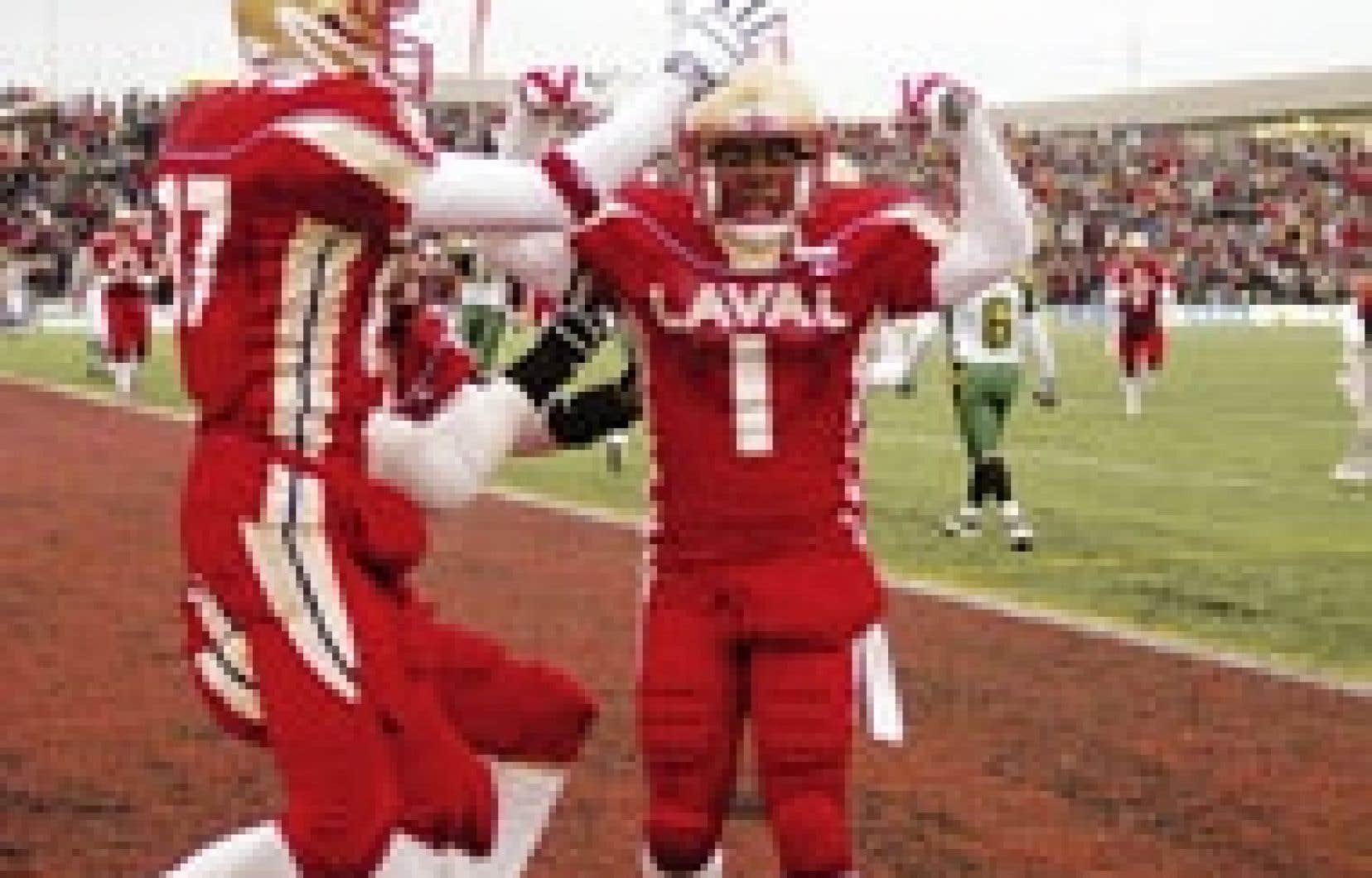 Le Rouge et Or de l'Université Laval attire en moyenne 16 000 personnes à chacun de ses matchs. Source : Université Laval