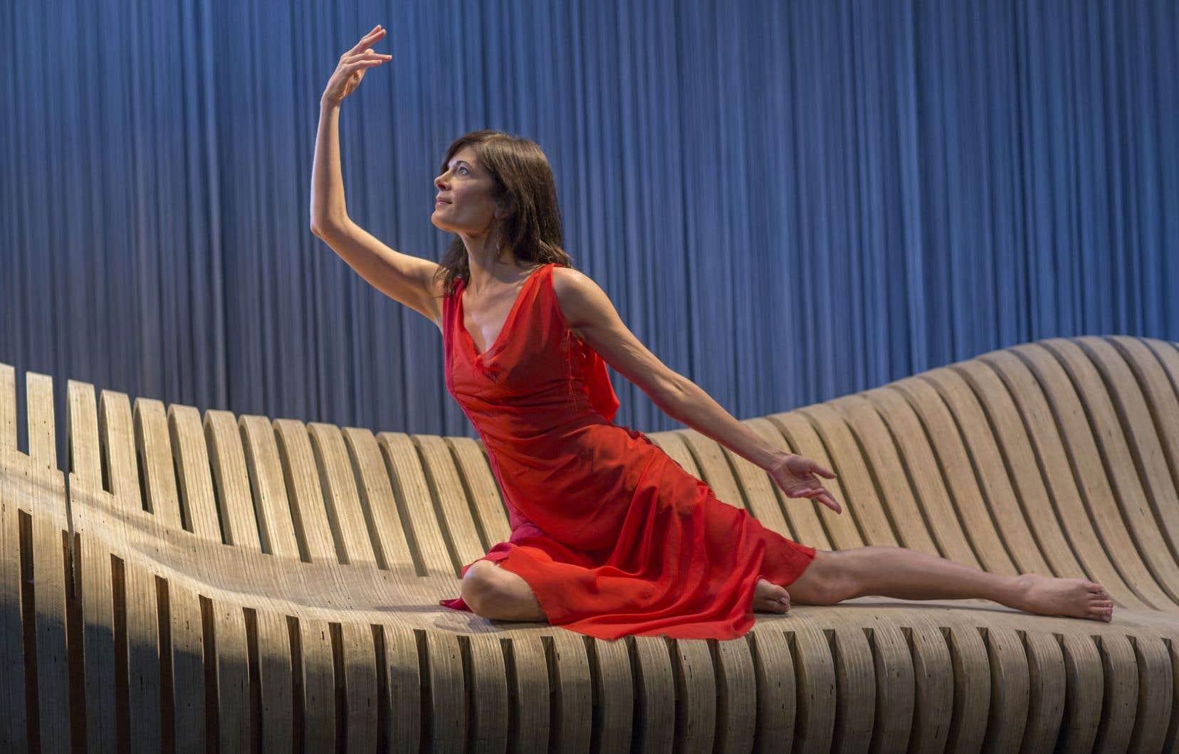 Malgré sa complexité, le monologue de Molly Bloom passe très bien au théâtre, selon Anne-Marie Cadieux. «Le texte gagne en limpidité une fois sur scène. Quelque chose surgit. La partition s'anime.»
