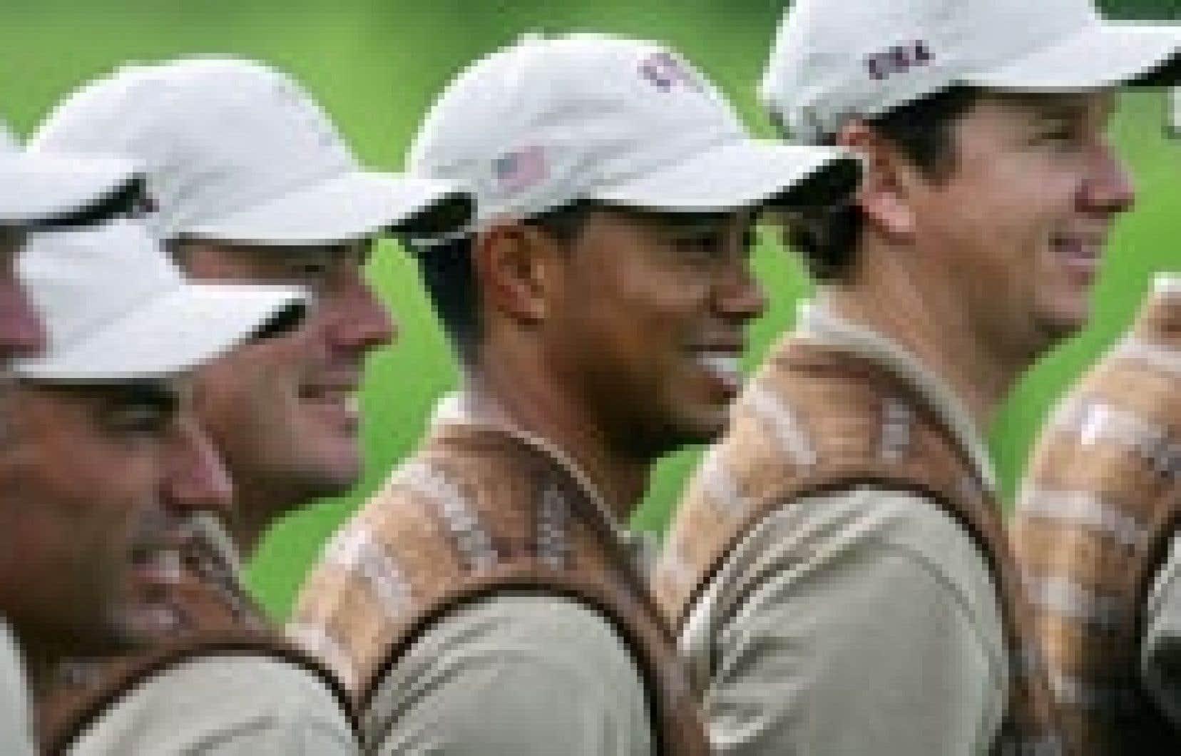 Tiger Woods et ses coéquipiers américains débuteront aujourd'hui leurs parcours lors de la Coupe Ryder.