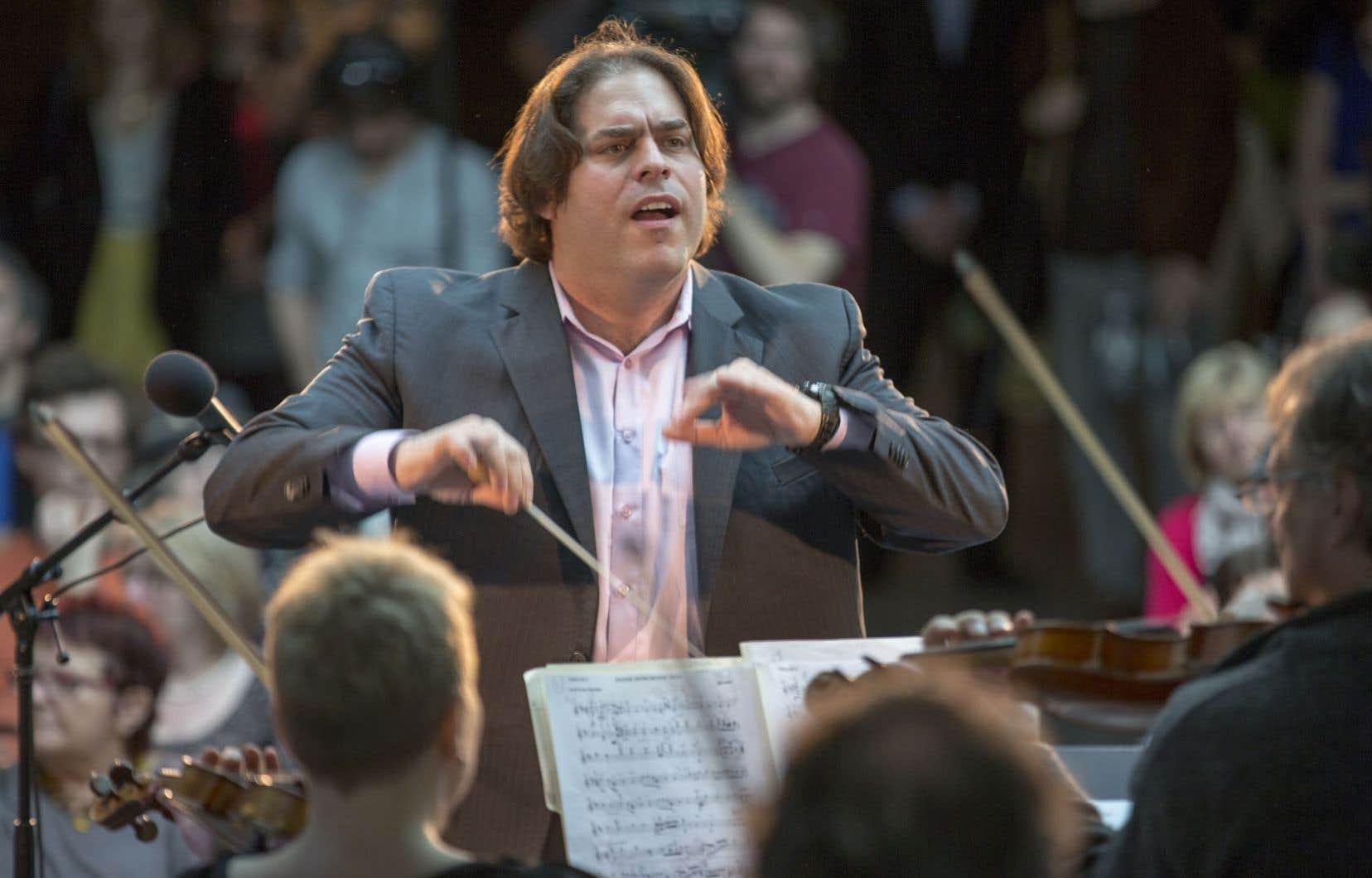 Le chef Jean-Marie Zeitouni est ravi que les musiciens d'I Musici soient ouverts à l'idée de réviser les traditions de l'orchestre.