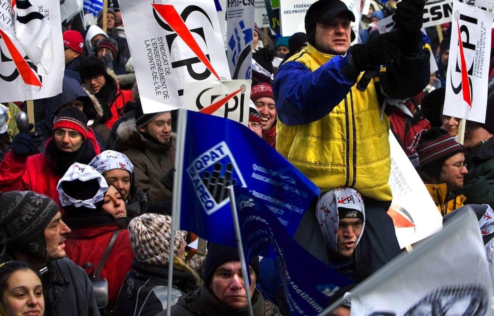Les employés de l'État n'ont pas hésité dans le passé à manifester leur désir d'améliorer leurs conditions de travail. Photo d'une manifestation prise en 2005.