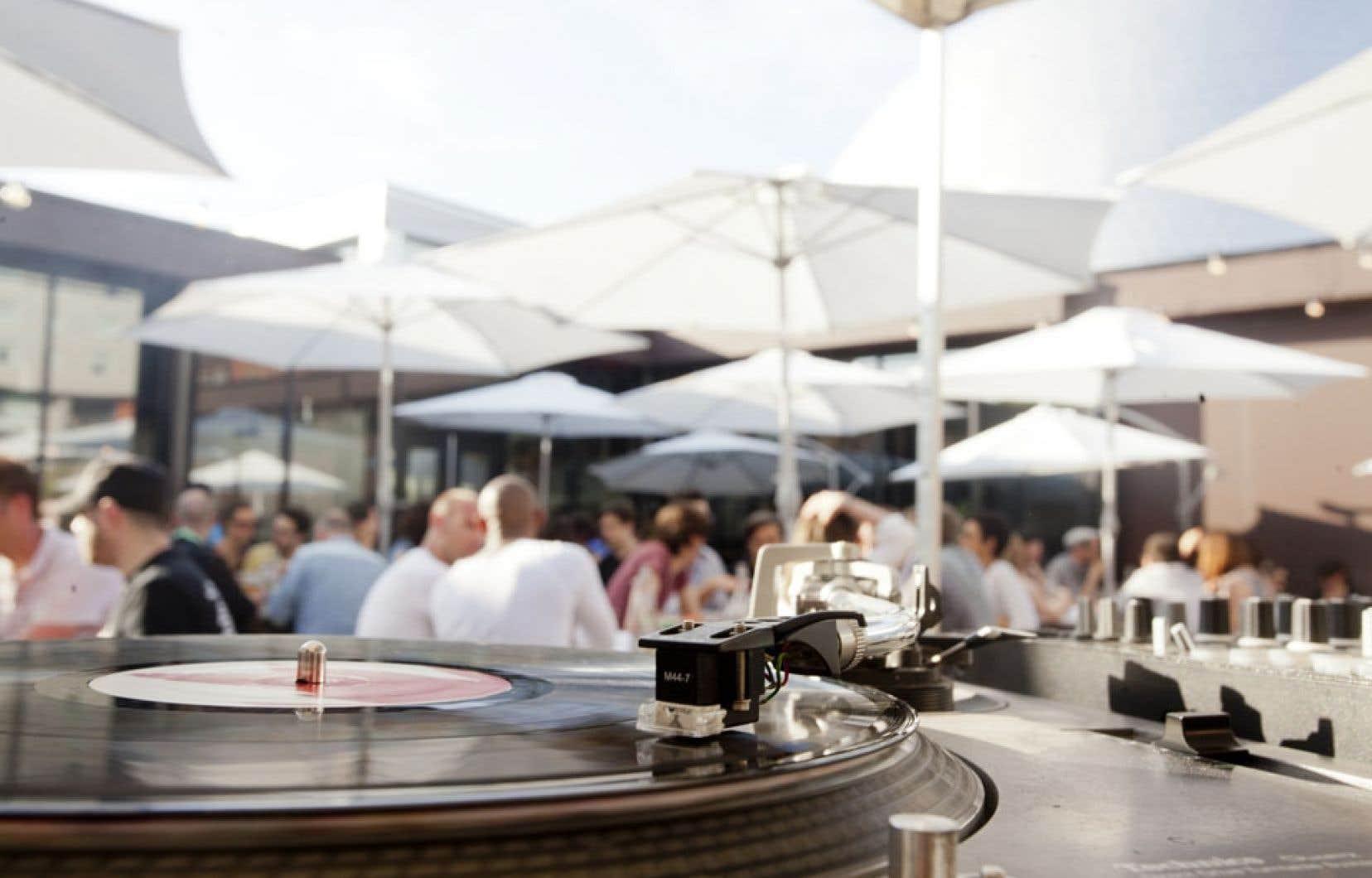 La musique est «la bande sonore du film du restaurant», explique Alexandre Auche, programmateur de l'ambiance sonore et gérant au FoodLab.