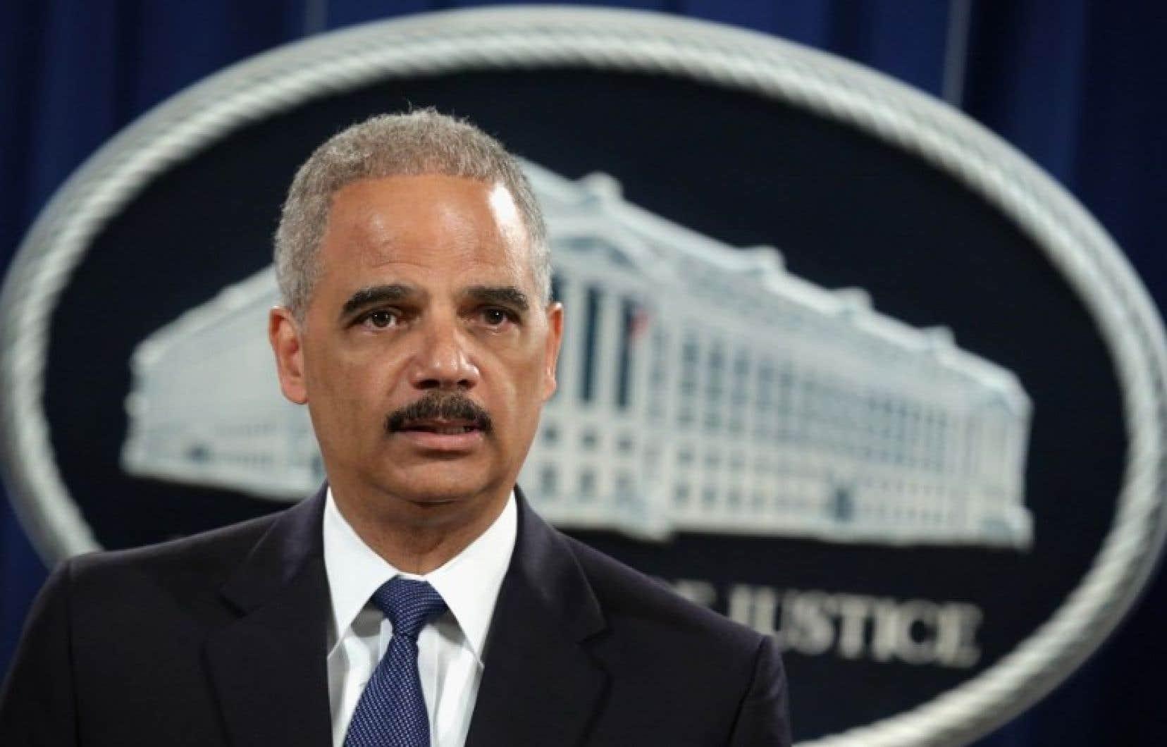 Le ministre américain de la Justice, Eric Holder, a fait valoir que l'ampleur du piratage présumé exigeait une «réponse agressive » de la part du gouvernement américain.