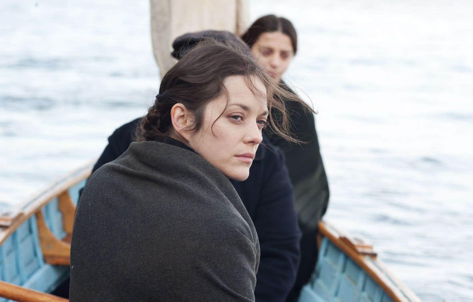 Le destin d'Ewa, interprétée avec passion et charisme par Marion Cotillard, n'a malheureusement pas le temps de se déployer.