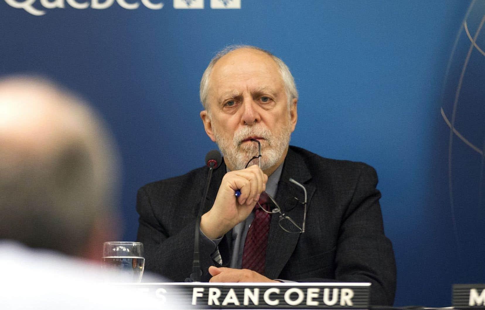 Louis-Gilles Francoeur, vice-président du BAPE, préside l'enquête sur la filière unanifère.