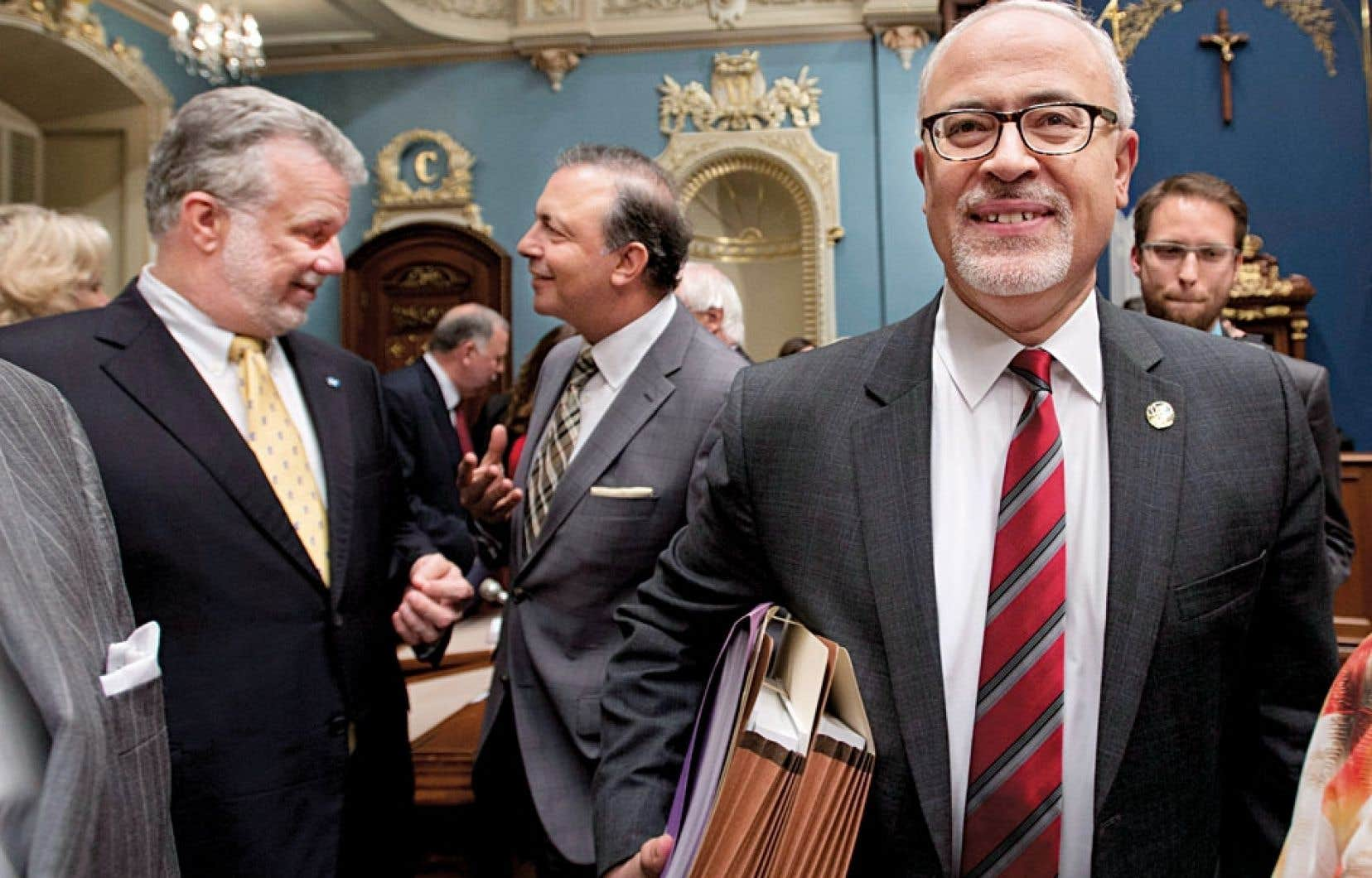 Le ministre des Finances, Carlos Leitao, s'apprête à présenter son budget à l'Assemblée nationale.