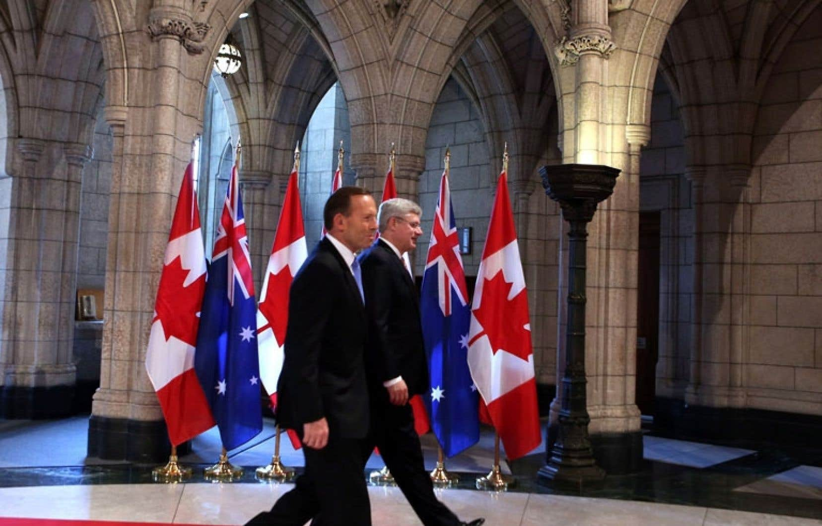 Stephen Harper a reçu lundi la visite de son homologue australien, Tony Abbott.
