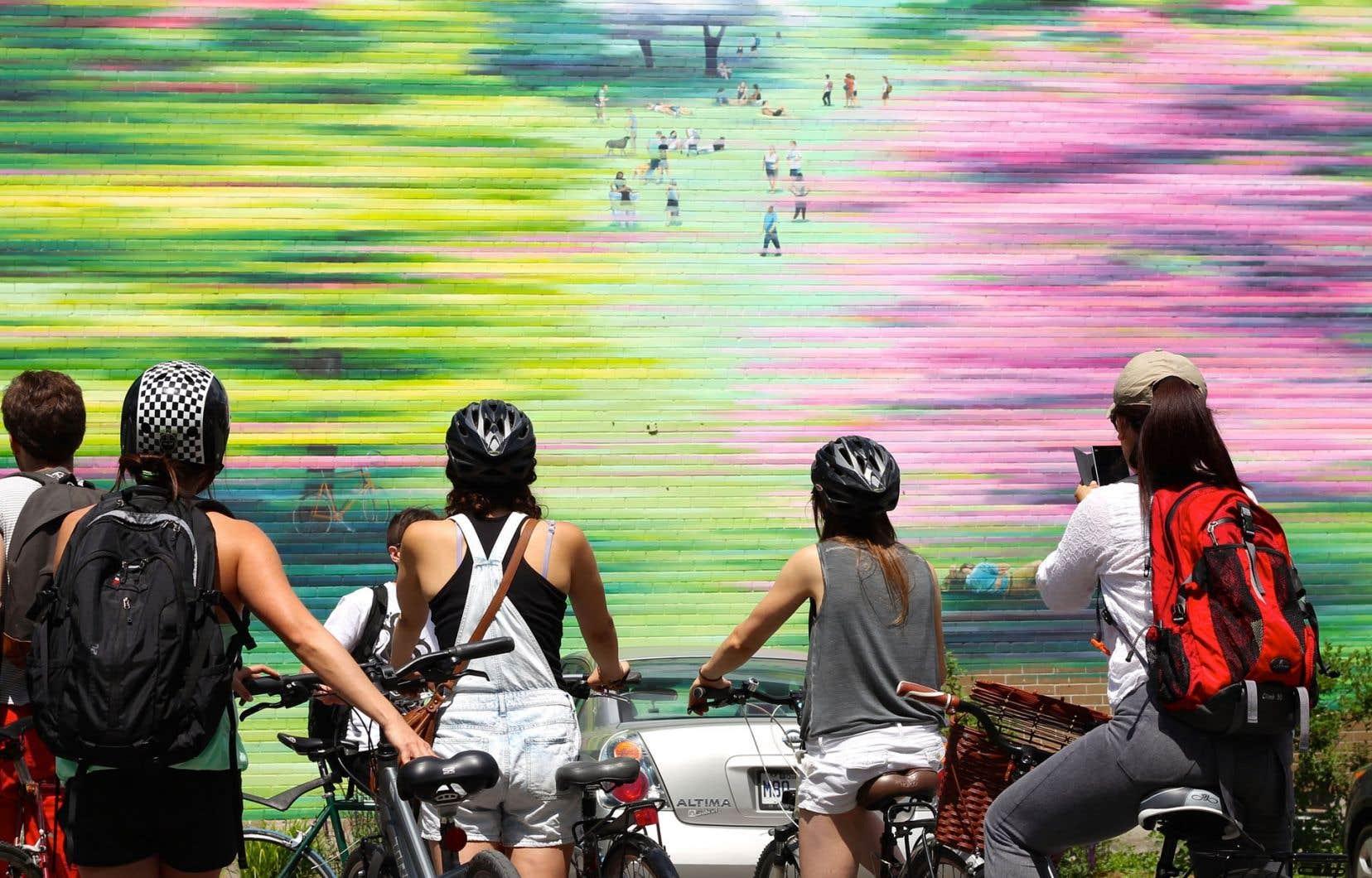 Plus une belle promenade qu'un tour muséal, le parcours de l'artiste Cam Novak sensibilise doucement à l'art urbain.