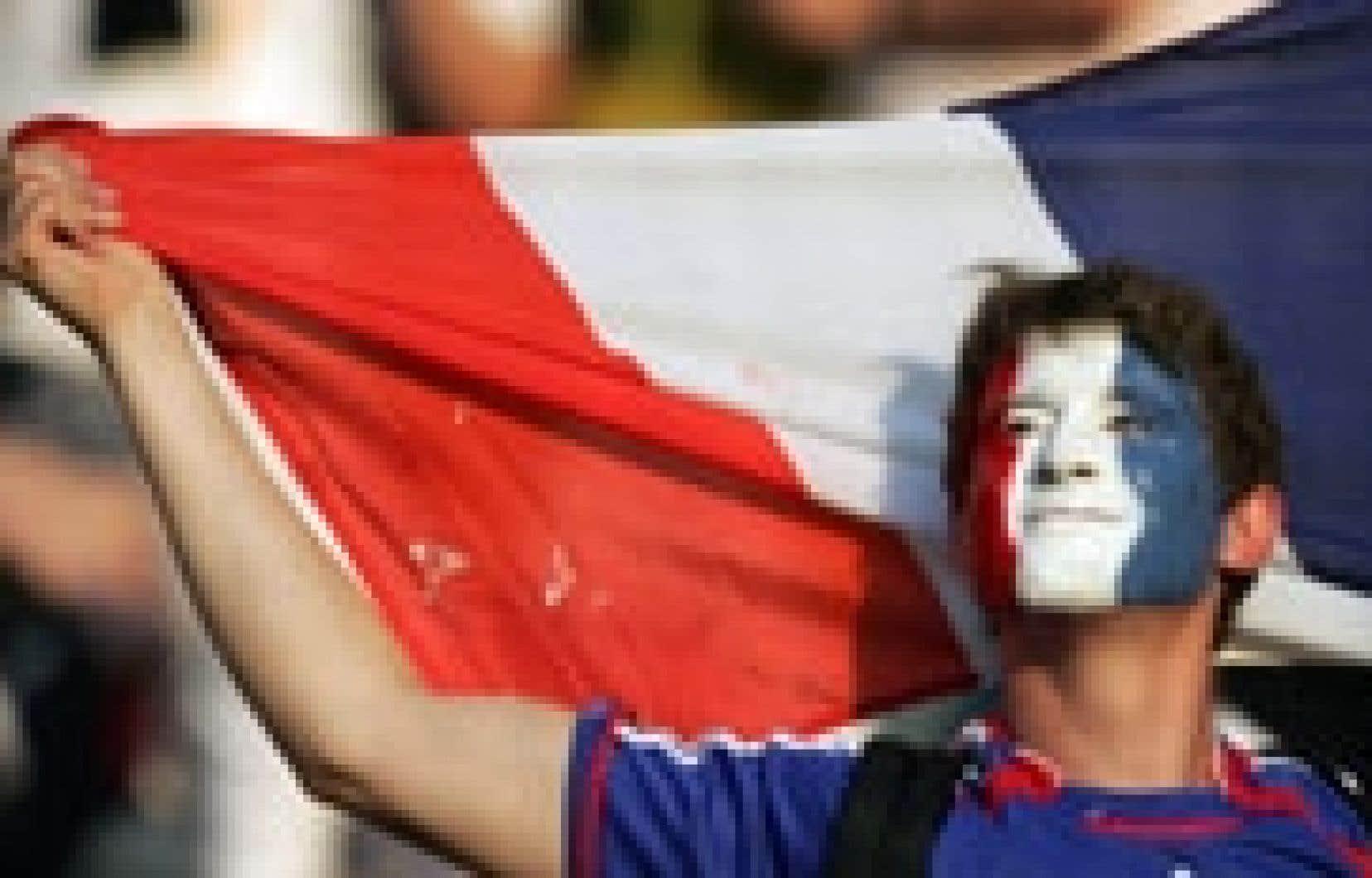 Les succès de l'équipe de France au Mondial de football ont redonné le sourire aux habitants de l'Hexagone.