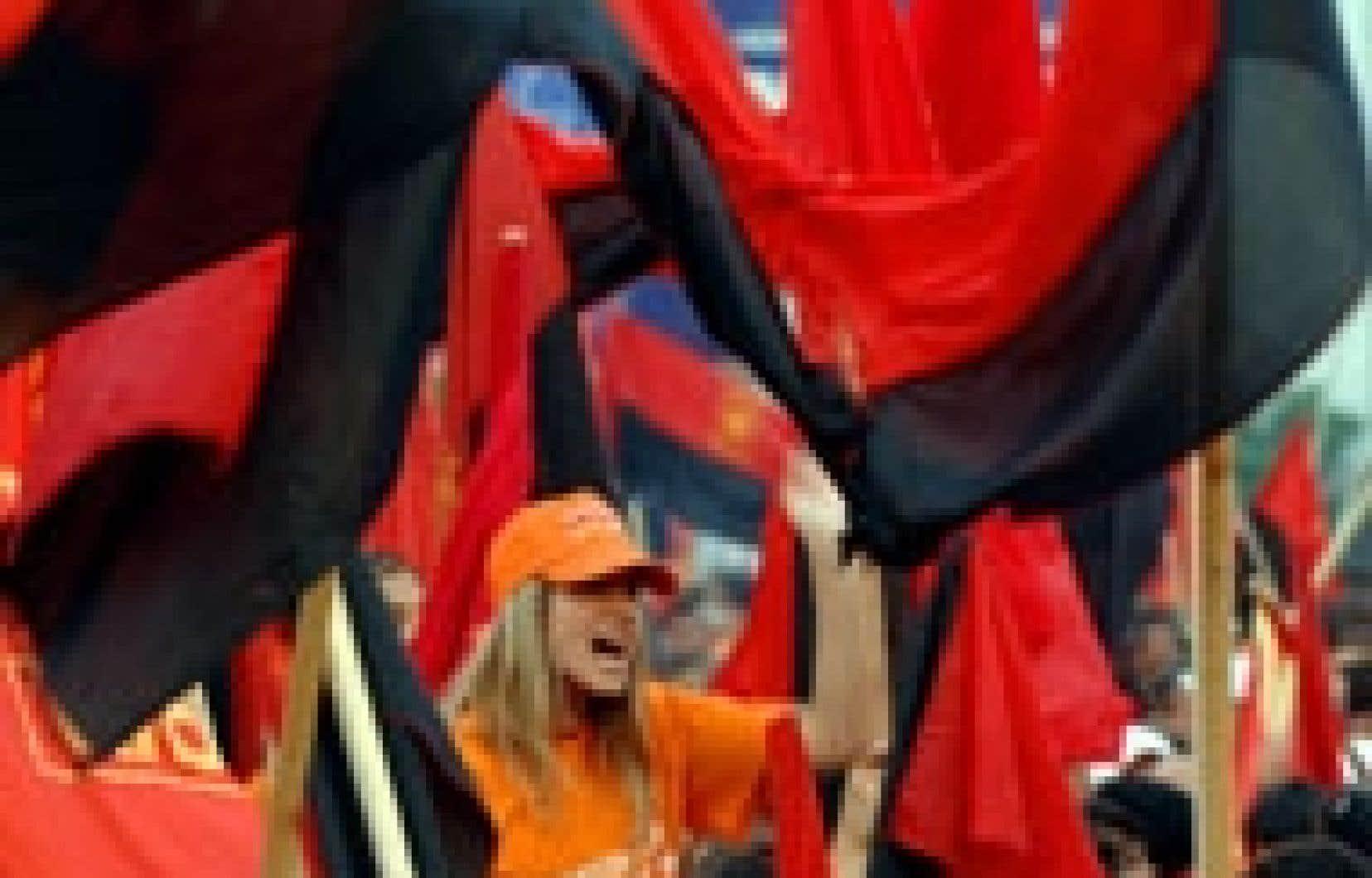 Des partisans de la principale formation d'opposition de centre droit, VMRO-DPMNE, ont participé hier à un dernier rassemblement à Strumica.