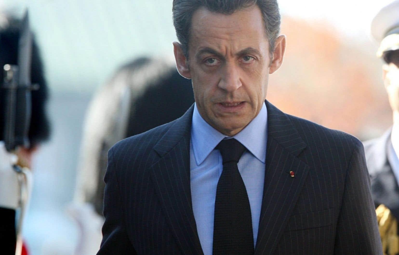 Selon ce que rapportent certains médias français, c'est la première fois dans l'histoire de la Ve République qu'un ancien chef de l'État est en garde à vue. En l'occurrence, Nicolas Sarkozy.
