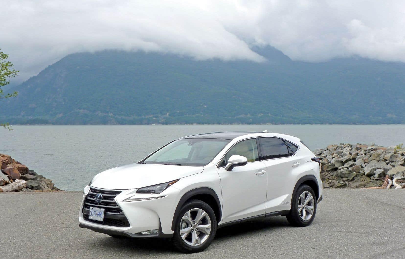 Le nouveau modèle du constructeur Lexus se positionne comme l'entrée de gamme des VUS Lexus, mais son design revitalise l'image de la marque.