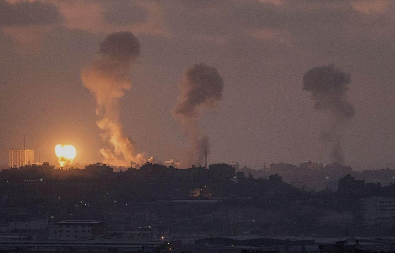 Des frappes de l'aviation israélienne ont frappé Gaza mardi, tuant une quinzaine de personnes.
